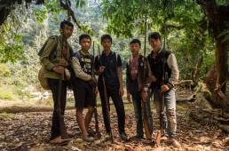 Groupe de jeunes chasseurs rencontrés dans la vallée centrale