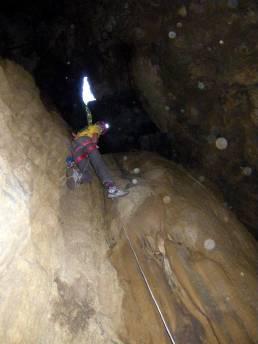 Remontée du fond du goufre 'goudron' (-42 m)