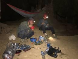 Campement dans Tham Thom